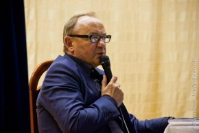 Януш Леон Вишневский: «У каждого из нас только одна жизнь, и мы имеем право насчастье»