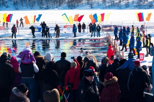 Первый чемпионат мира по ледяному плаванию