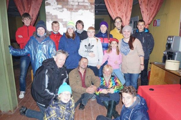 Дина Озерова на экскурсии со школьниками